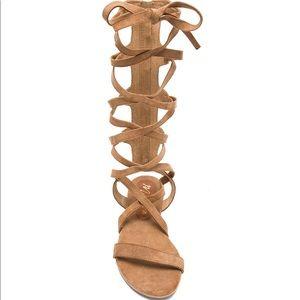 Matisse Zepher Sandal in Tan